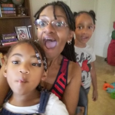 Goofy faces time with Ava and Lyric!